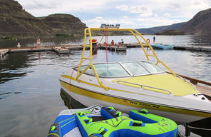 Fun on the water is a big theme at Sun Lakes. Here, Park Lake sits in the shadow of soaring plateaus.