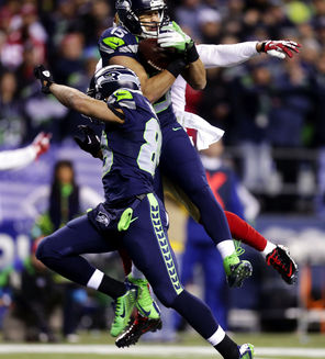 Seahawks wide receiver Jermaine Kearse (15) pulled in the winning touchdown pass against the 49ers.
