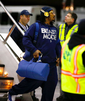 """That's what time it is,"" Marshawn Lynch said of the sweatshirt he wore when the team arrived Sunday."