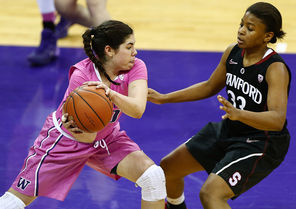 Kelsey Plum, left, had a game-high 23 points on Sunday for Washington, which had five players score in double figures.