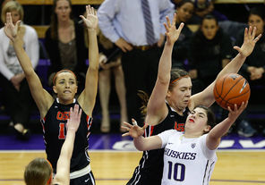 Kelsey Plum, right, and Washington ran into plenty of resistance against Ruth Hamblin, center, and Oregon State, which won its seventh straight game in dominant fashion.