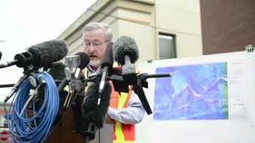 Play video: Raw video: State geologist discusses assessment of mudslide